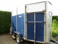 horse trailer transport